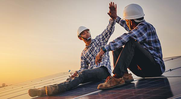 Solar Panel Deinstallation & Installation Team in Denver